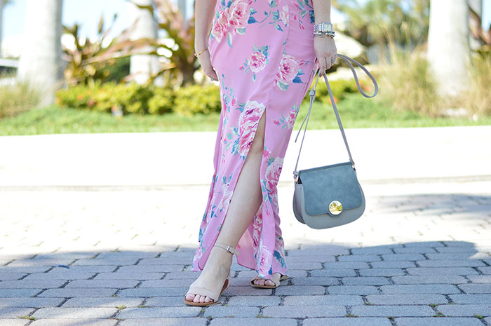 nina lacher from law of fashion blog wears sole society ode sandal